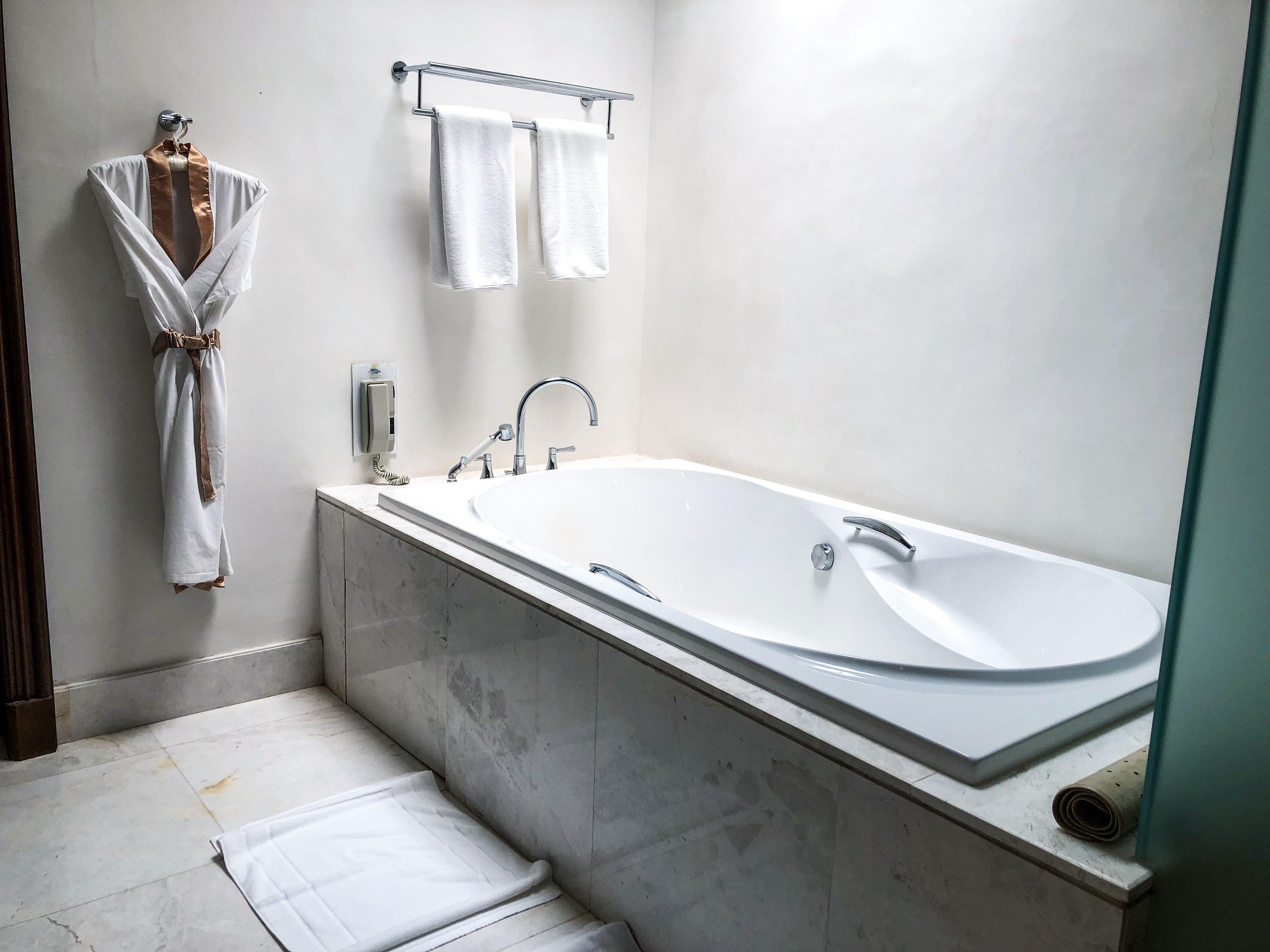 Maikhao bathroom